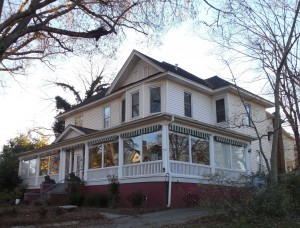 bed-and-breakfast-1079074_1920